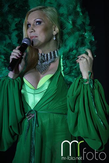 Slika   Kralji komedije s Salome (IMG 6448)